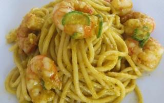spaghetti_con_gamberi_e_crema_di_fiori_di_zucca
